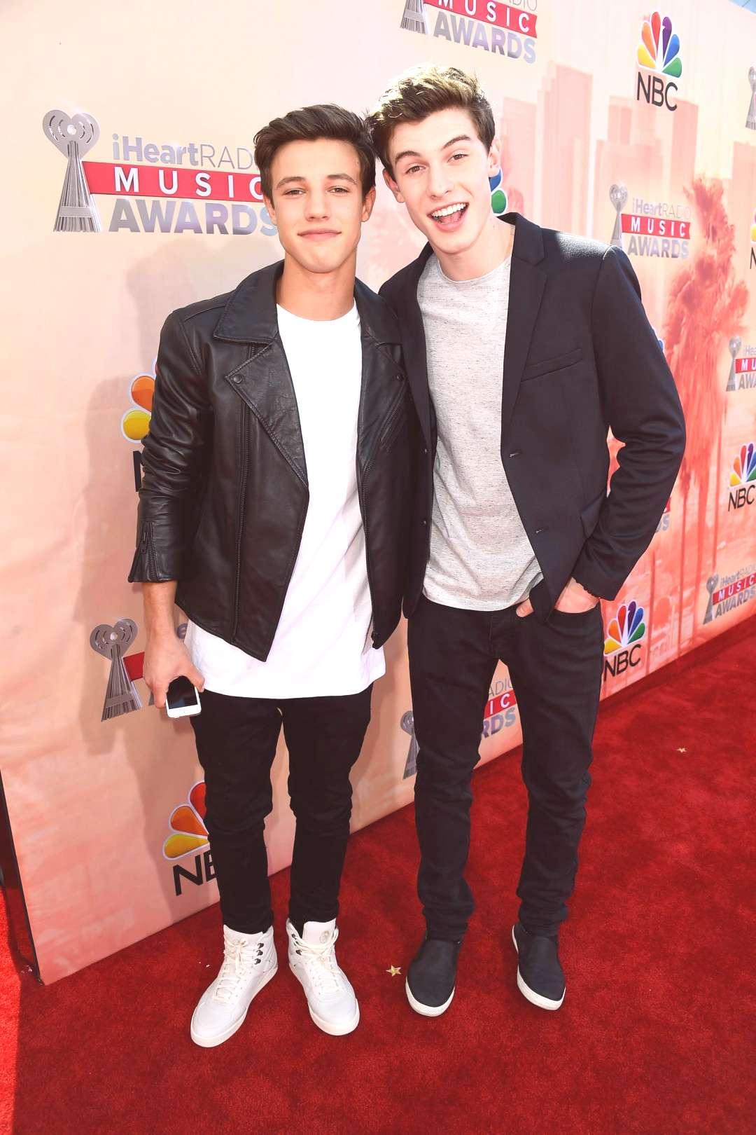 Did Cameron Dallas Throw Shade at Shawn Mendes Over This Taylor Swift Shout-Out?