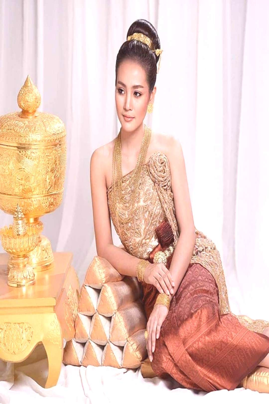 Khmer traditional clothes ?? An old riches Khmer culture in Southeast Asia culture ❤️❤