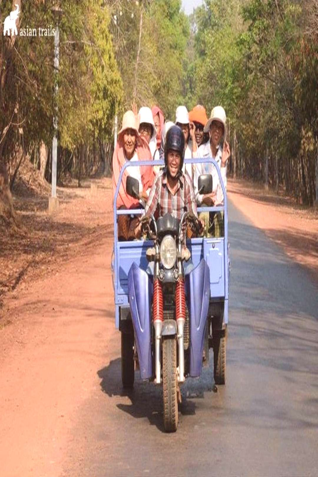 Not only very much in favour by visitors, local residents in Cambodia often hitch a shared ride to